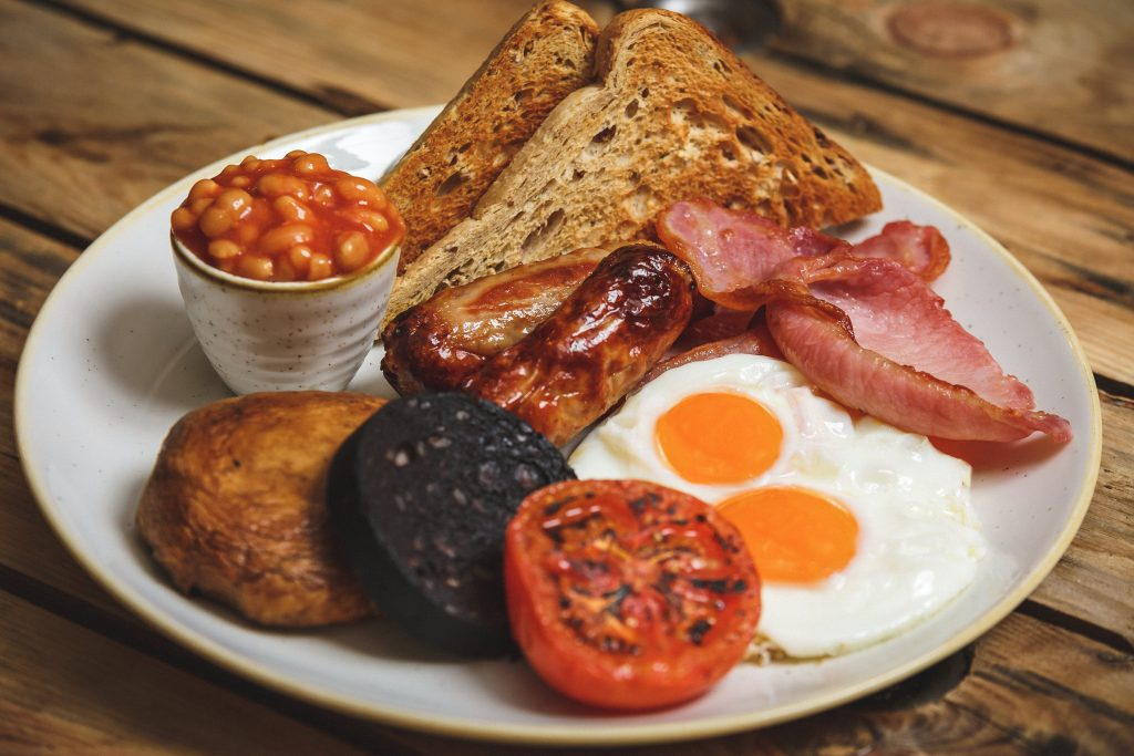 traditional English breakfast at the waterfront